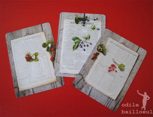 3 cartes papier sur bois